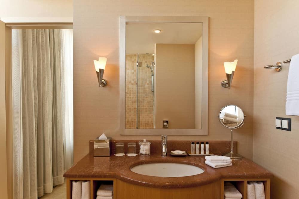 Міські апартаменти, 1 спальня, з видом на місто - Ванна кімната