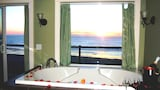 Reserve this hotel in Lincoln City, Oregon