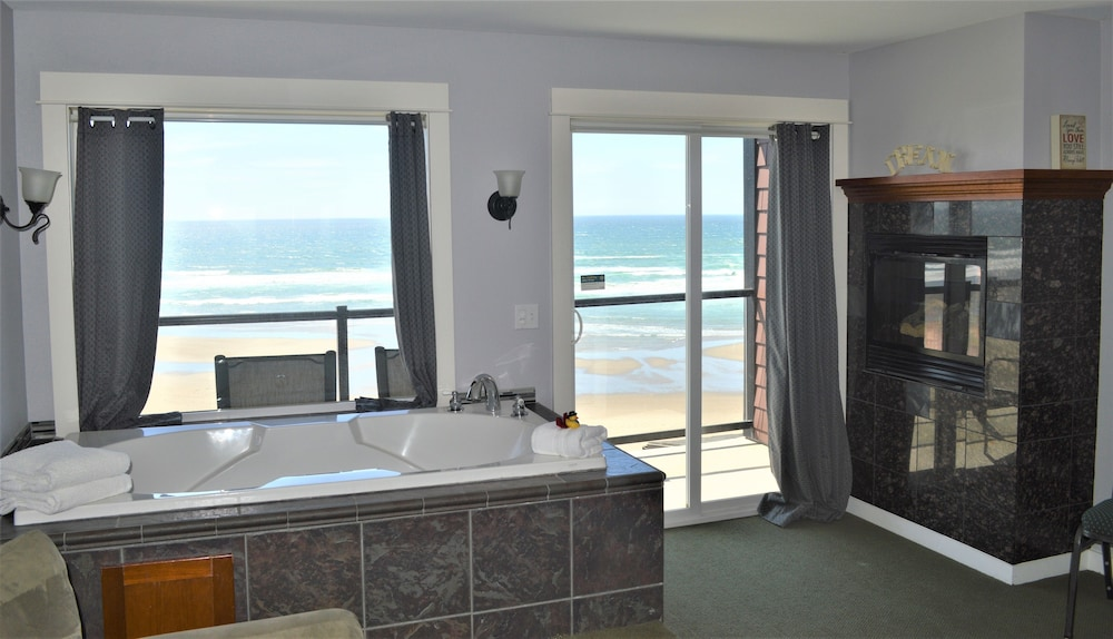 Starfish Manor Oceanfront Hotel Lincoln City Info Photos Reviews Book At Hotels