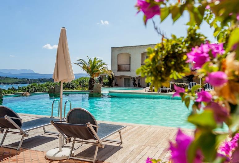 Hotel Petra Bianca, Arzachena, Alberca al aire libre