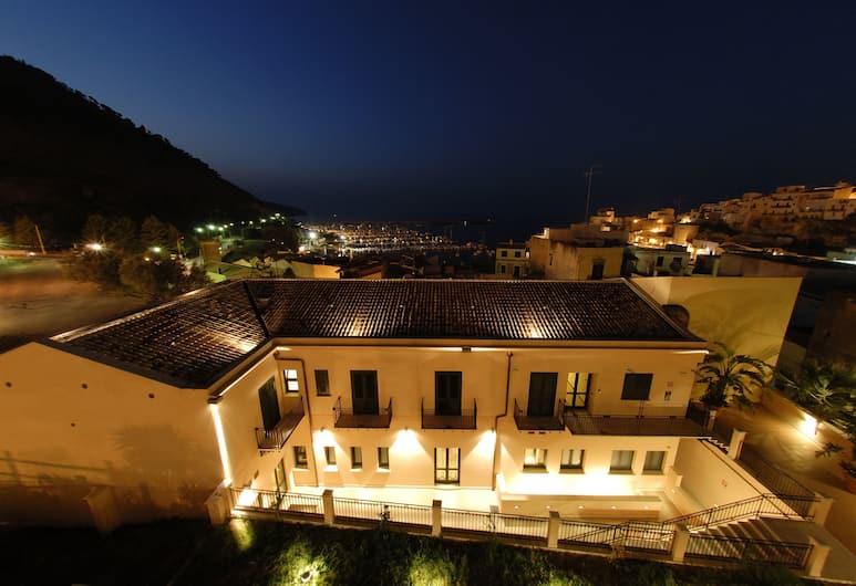 Cerri Hotel, Castellammare del Golfo, Courtyard