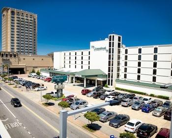 Top 10 Virginia Beach Hotels Near Neptune S Park