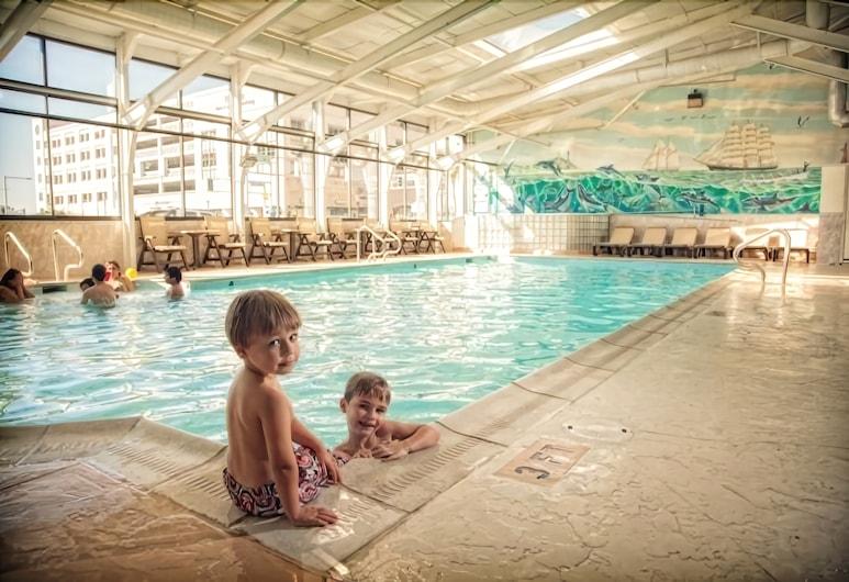 Oceanfront Inn, Virginia Beach, Indoor Pool