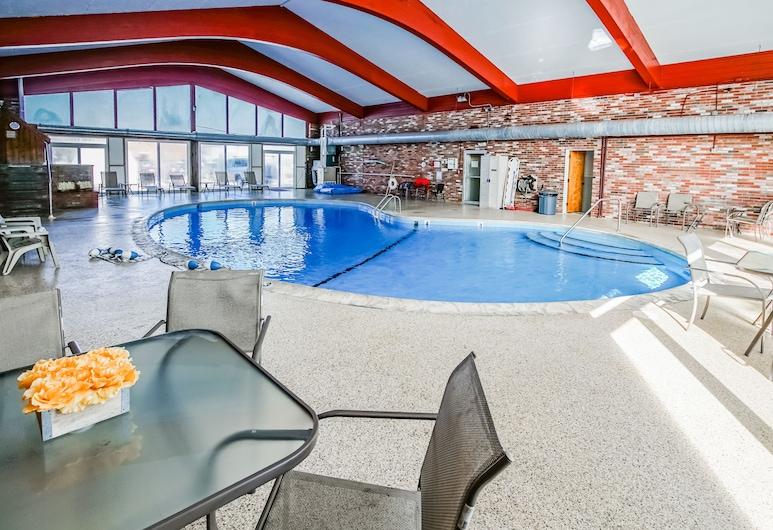 Courtyard Resort Hyannis, a VRI resort, Hyannis, Sisäuima-allas