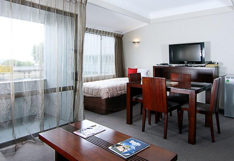 Apollo Hotel Rotorua, Rotorua, Apartment, 1 Bedroom, Living Room