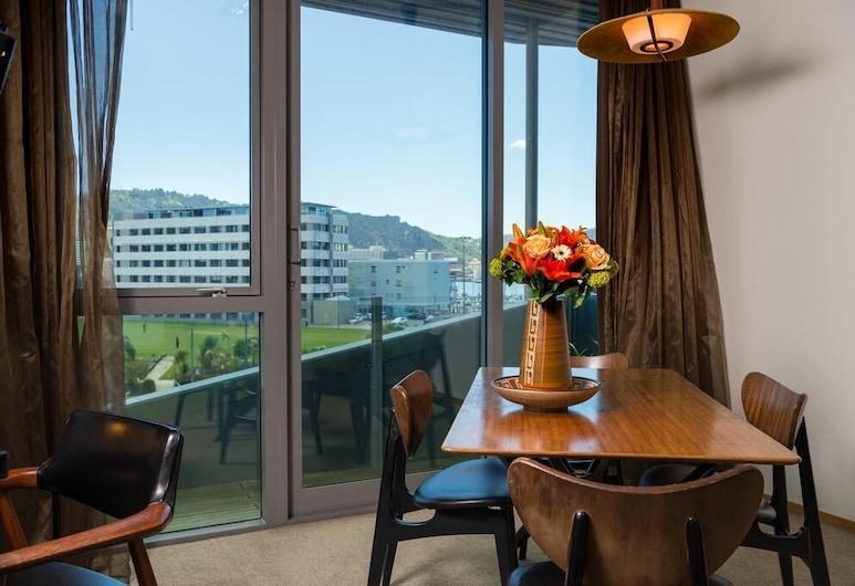 Ohtel Wellington, Wellington, Premium Double Room, 1 King Bed, Balcony, City View, Guest Room View