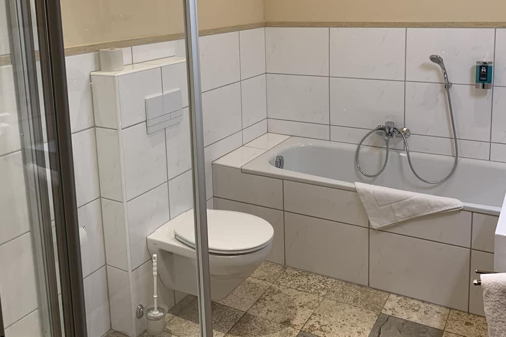 Romantiško stiliaus dvivietis kambarys - Vonios kambarys