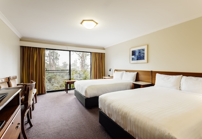 Cradle Mountain Hotel, Cradle Mountain, Deluxe Spa Room, Guest Room