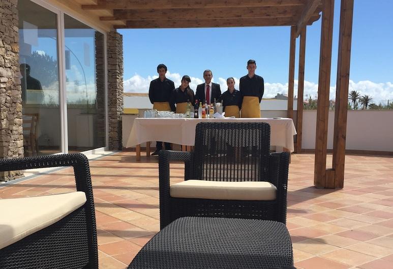 Hotel Pinhalmar, Peniche, Terrace/Patio