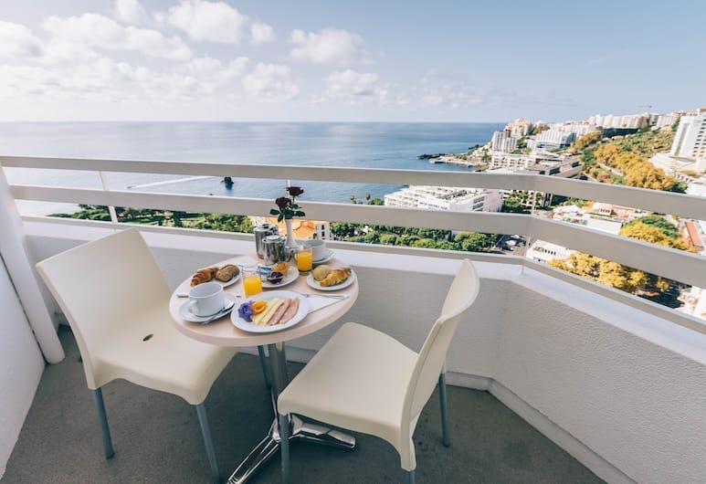 Muthu Raga Madeira Hotel, Funchal, Standardværelse - havudsigt, Altan