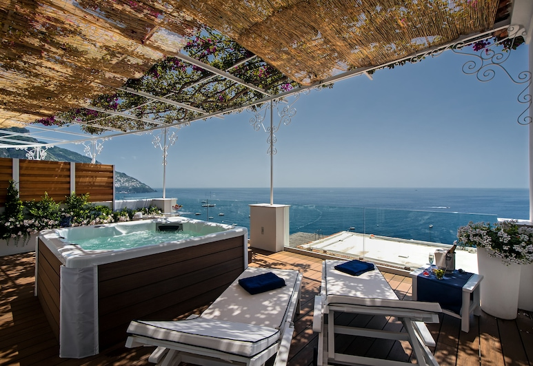 Hotel Montemare, Positano, Deluxe Suite wit Spa and sea view, Terrace/Patio