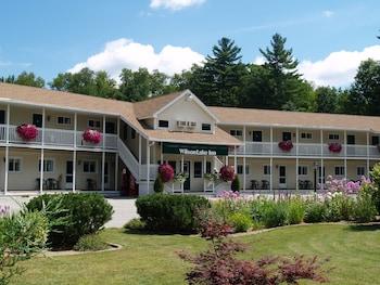 A(z) Wilson Lake Inn hotel fényképe itt: Wilton