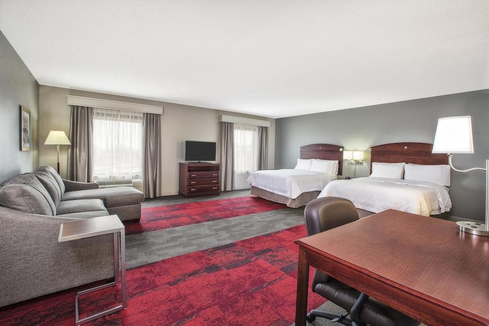 Студия-люкс, 2 двуспальные кровати «Квин-сайз», для некурящих - Зона гостиной