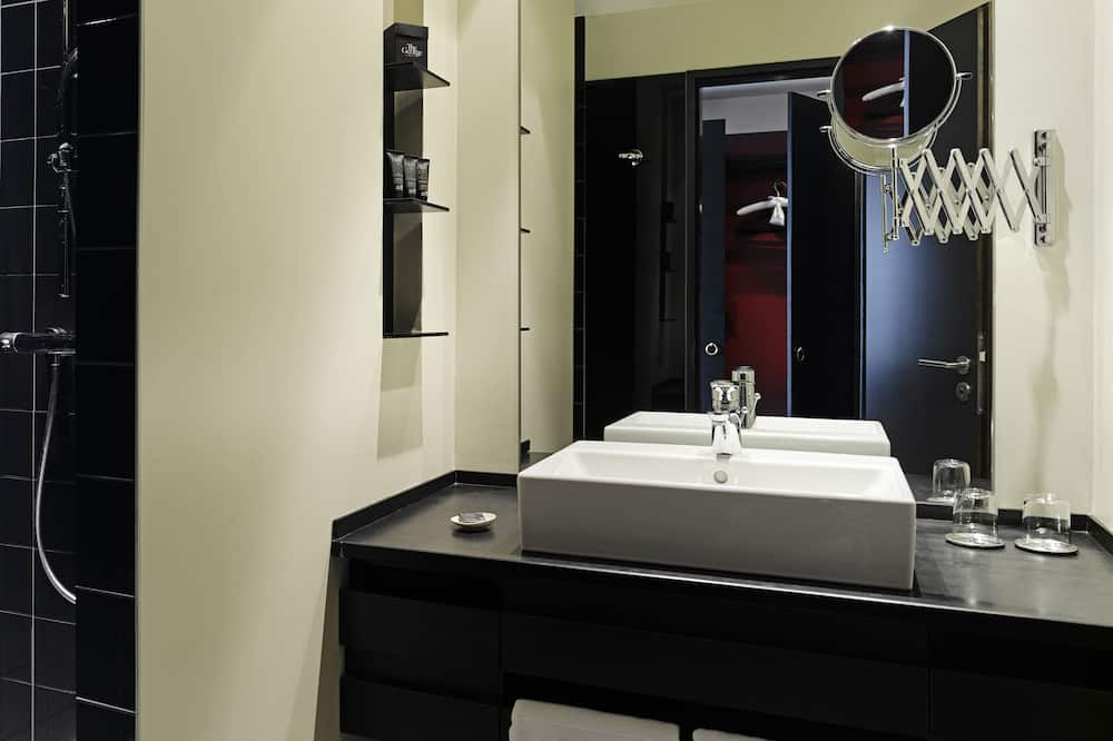Single Room (George S) - Bathroom