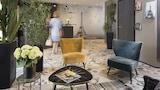 Hotel , Levallois-Perret