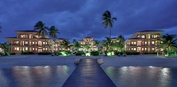 Φωτογραφία του Coco Beach Resort, San Pedro