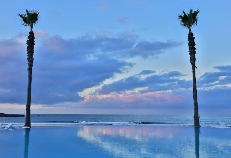 L'amphitrite Palace Resort & Spa, Схірат, Пляж