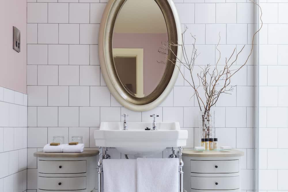 סוויטה - חדר רחצה