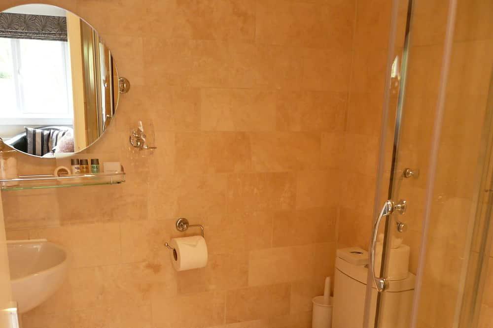 OAK Room 5 Classic King Room - Bathroom