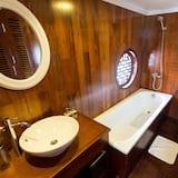 Royal Double Room - Bathroom