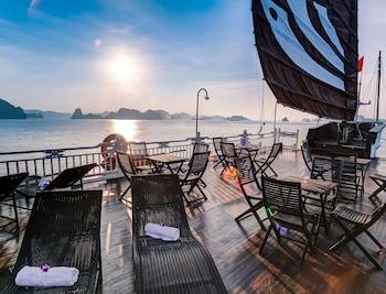 תמונה של Bhaya Cruises בהא לנג