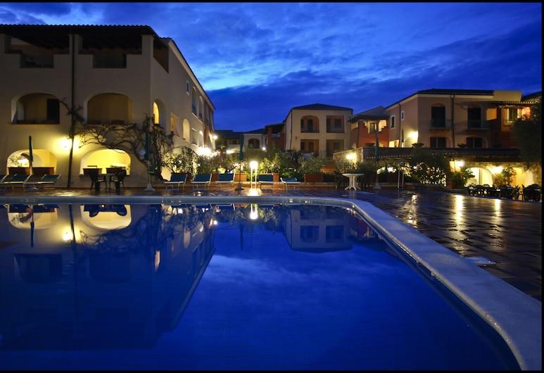 Club Hotel Torre Moresca, Orosei, Alberca