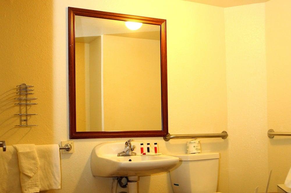 Pokój standardowy, Łóżko king, przystosowanie dla niepełnosprawnych, dla niepalących - Łazienka