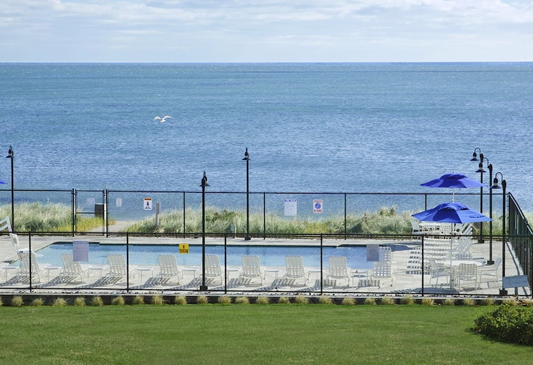 Ocean Mist Beach Hotel & Suites, South Yarmouth, Outdoor Pool