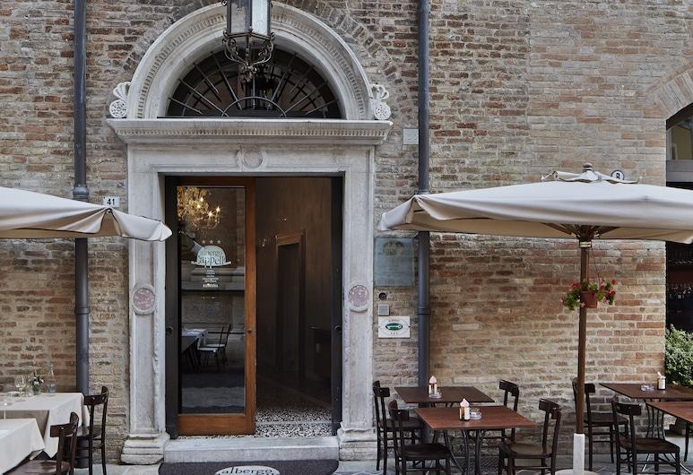 Albergo Cappello, Ravenna, Hotellinngang