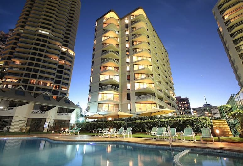 The Breakers, Surfers Paradise, Exterior