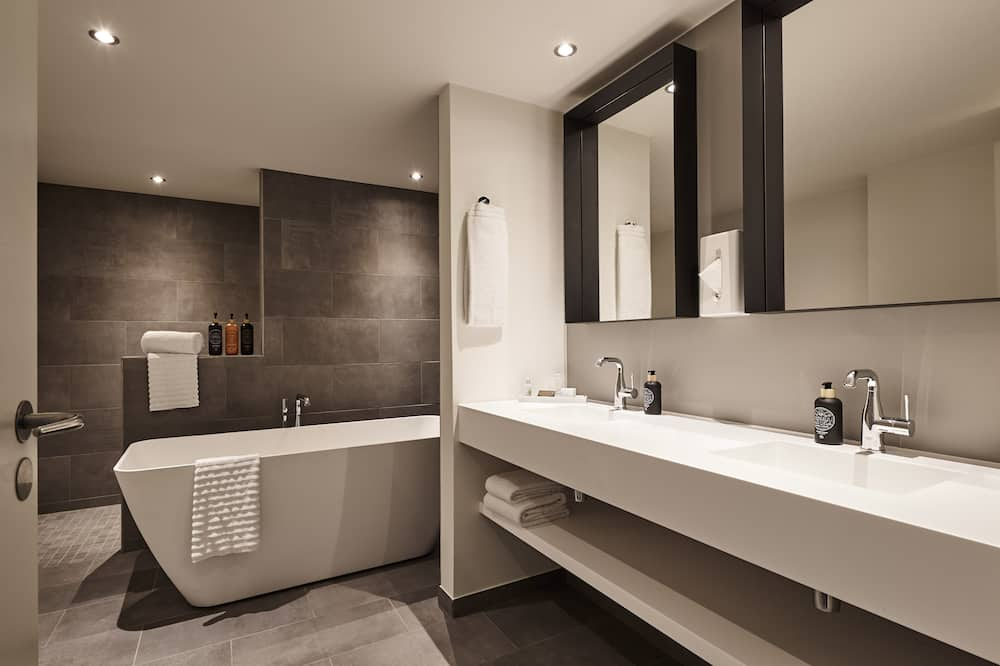 Представительский люкс, балкон, вид на море - Ванная комната
