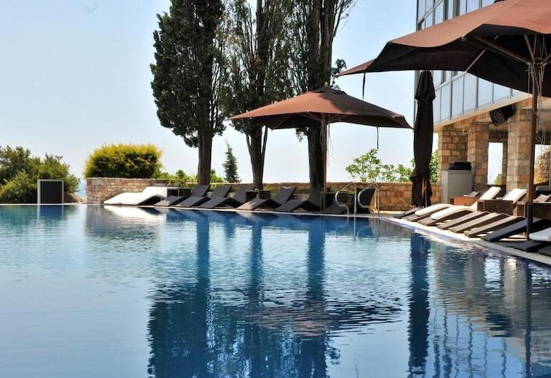 Avala Resort & Villas, Budva, Lauko baseinas
