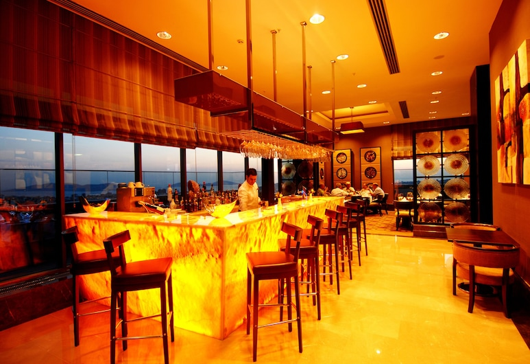 Titanic Business Kartal, İstanbul, Otel Barı