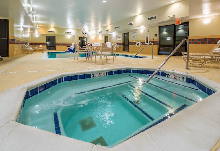 Hampton Inn & Suites Greensburg, Greensburg, Bathtub Spa Dalam Ruangan