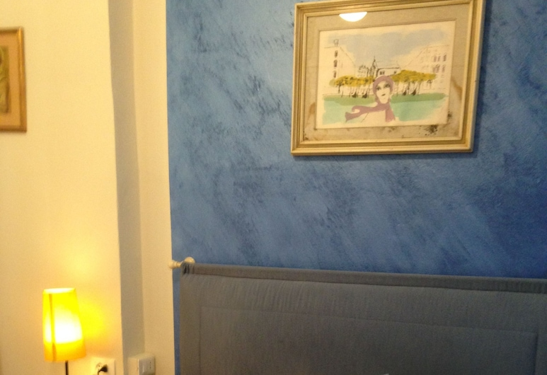 Tourist House, Florence, Basic Double Room, 1 Large Single Bed (Small), Guest Room