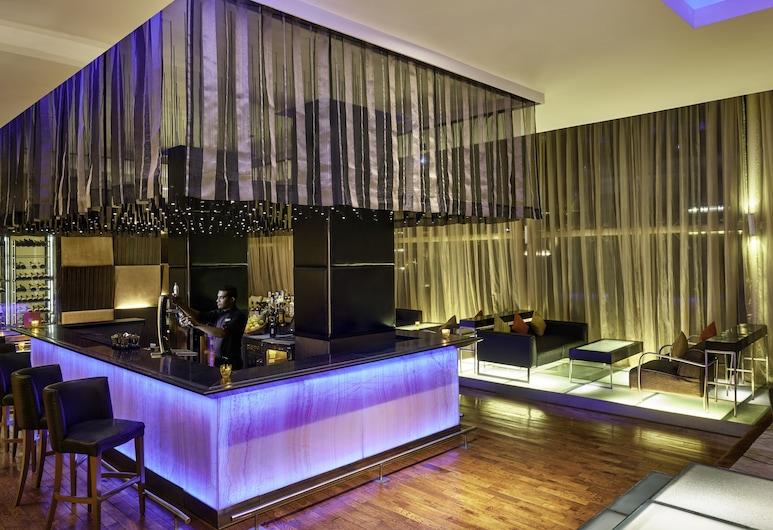 Taj Club House, Chennai, Hotel Bar