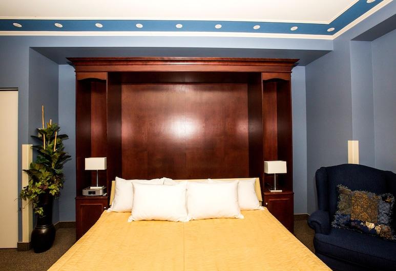 Château Repotel Henri IV, Quebec, Junior Suite, 1 King Bed, Guest Room