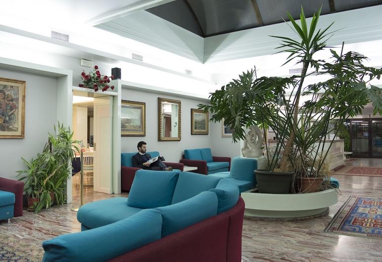 Alexander, Mestre, Lounge della hall