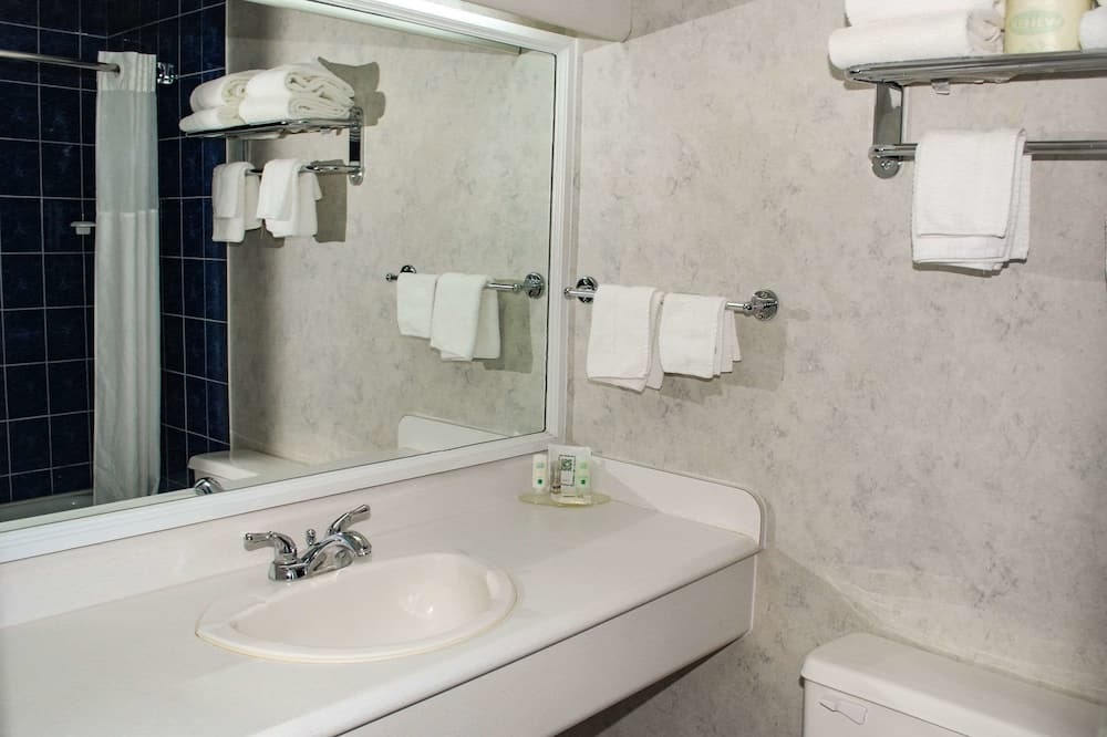 Habitación estándar, 2 camas de matrimonio, no fumadores - Cuarto de baño
