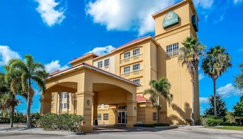 Picture of La Quinta Inn & Suites by Wyndham Ft. Pierce in Fort Pierce