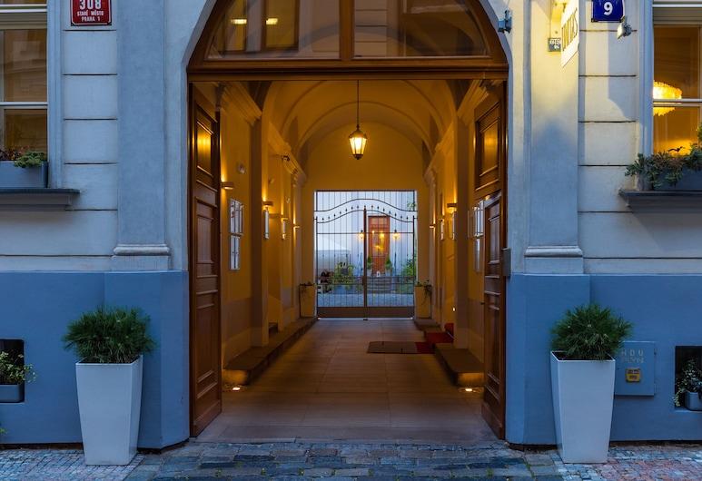Unitas Hotel, Praga, Entrada do hotel