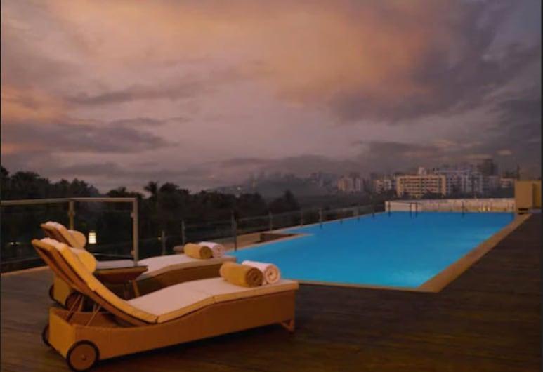 Z Luxury Residences, Bombay, Havuz