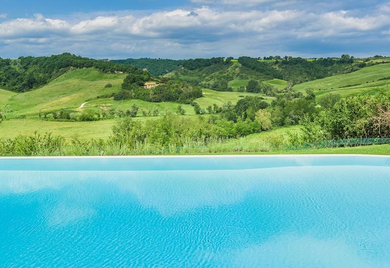 "Laticastelli Country Relais, Rapolano Terme, Hồ bơi ""vô cực"""