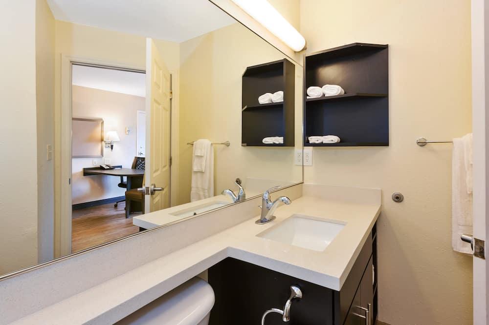 Suite, 1 chambre - Salle de bain