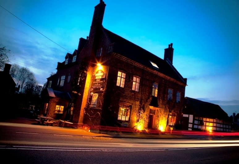 Hundred House Hotel, Shifnal, Pročelje hotela – navečer/po noći