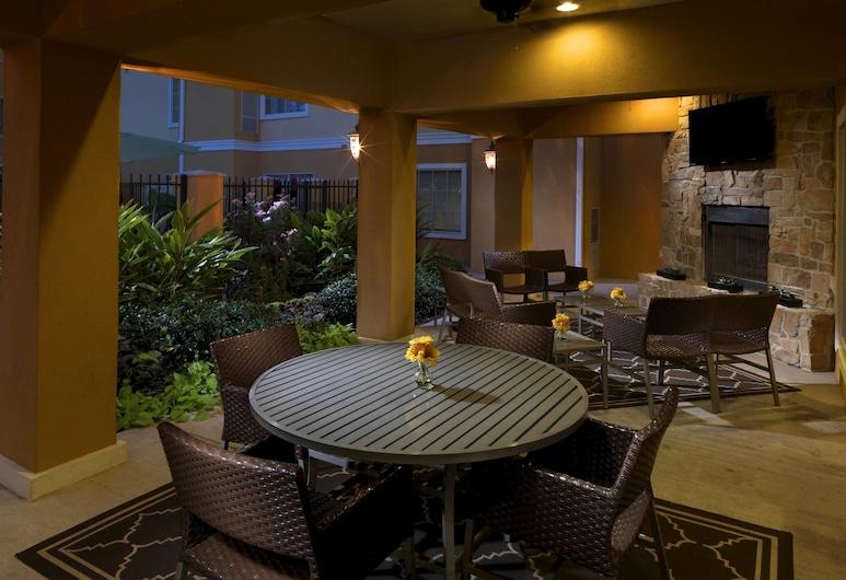 TownePlace Suites by Marriott Houston North / Shenandoah, Shenandoah, Terraza o patio