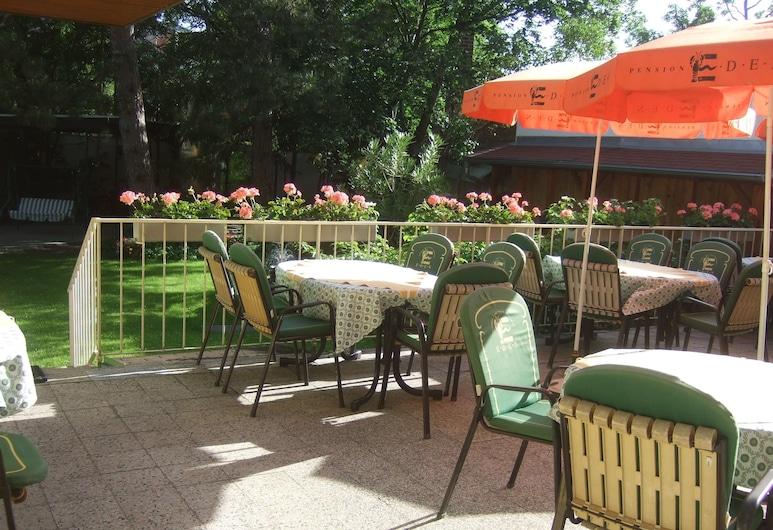Strandbad Hotel Eden, Baden, Courtyard