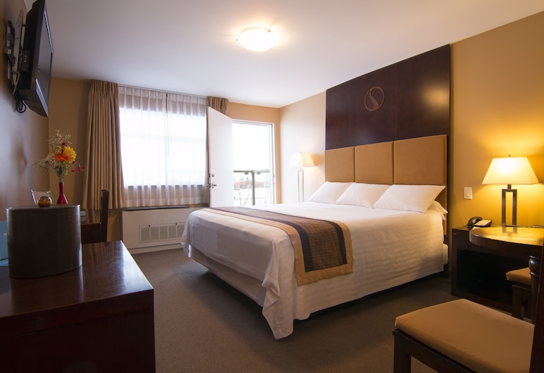 Skky Hotel, Whitehorse, Standard Room, 1 King Bed, Guest Room