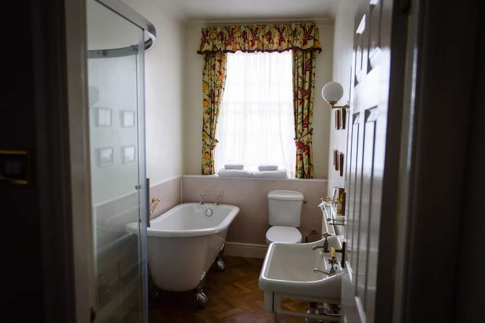 Dvojlôžková izba typu Executive, 1 veľké dvojlôžko - Kúpeľňa
