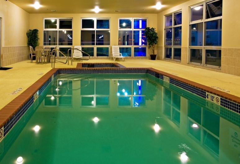 Holiday Inn Express Hotel & Suites Shamrock North, Shamrock, Pool